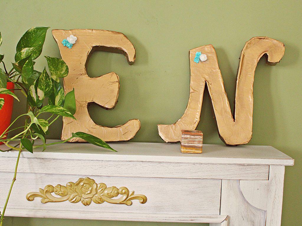 letras reciclando carton